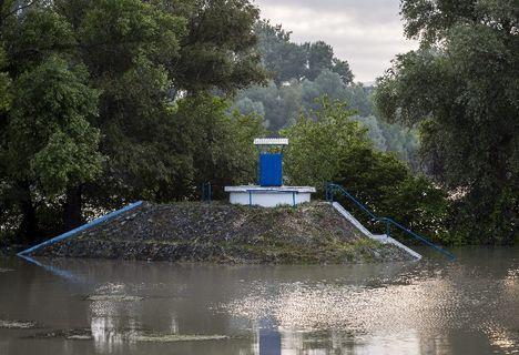 Sárándi Szilvia Esti kép árvíz idején