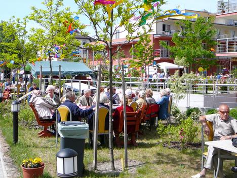 aranyalkony idősek otthona kht