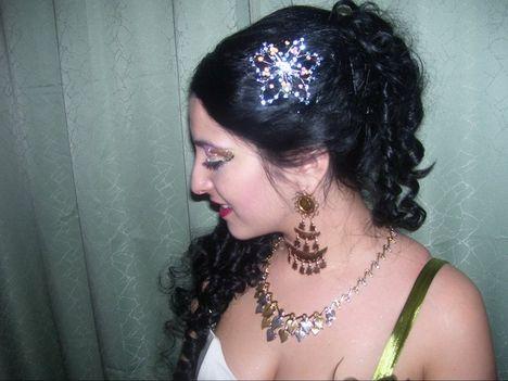 SZABRINA , szilveszteri haj, smink