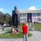 Csíkszépvizen a Szent László szobor előtt