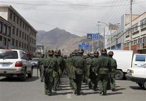 Lhasszai kínai bevonulás