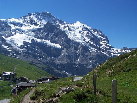 Svájc--É