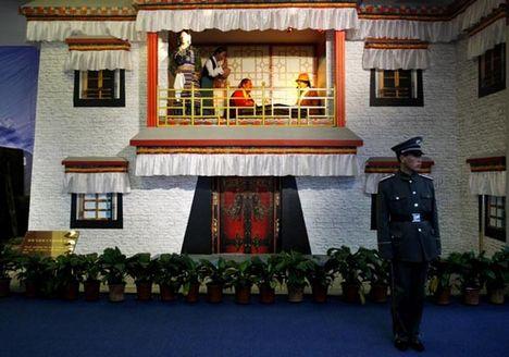 tibet mindennapjai kínai ellenőrzés alatt