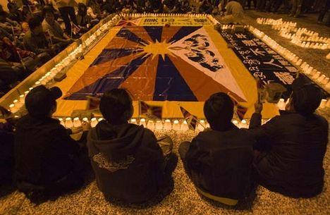 tibeti tiltakozás az elnyomás ellen
