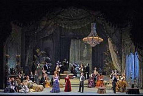 Violetta estélye a Traviata-ban