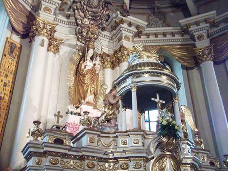 Csíksomlyói kegytemplom és kolostor Babba Mária a kegyszobor