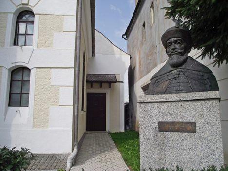 Gyergyószentmiklós Bethlen Gábor szobor