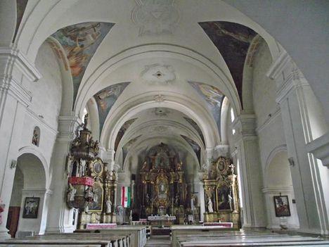 Gyergyószentmiklós templom belső