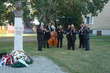 Zenés tisztelgés Bihari János emléke előtt / Lelkes Vince felvétele/ 2011