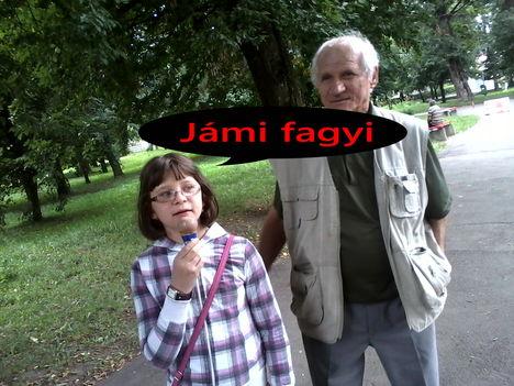Picture 098Tatával a parkban
