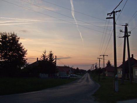 Maglócai utca estefelé