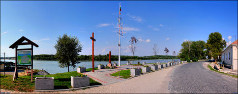 Megszépült A Sétány - Gönyű - 2013