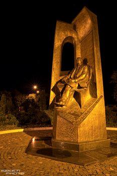 Wekerle szobor Mór
