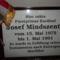 Mindszenty József nyughelyén található emléktábla