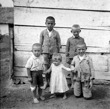 Szegény sorsú gyerekek, 1935.