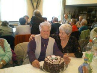 idősek köszöntése és 56 Nyúlon 2013 030