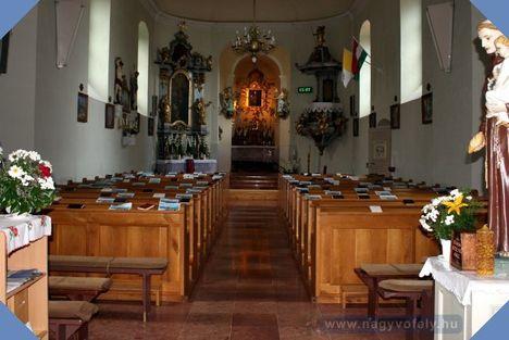 VÉRTESSOMLÓ Sarlós Boldogasszony templom belső