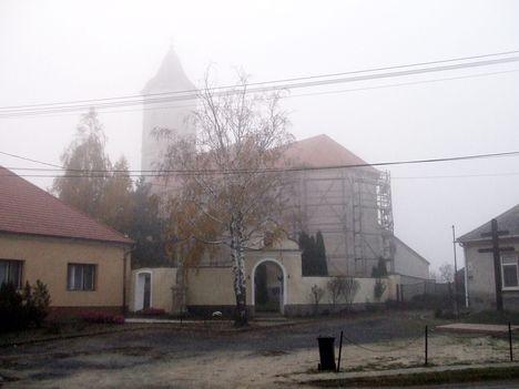 Ködben 4