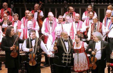 A 100 tagú Cigányzenekar Születésnapi Koncertje a Liszt Ferenc Zeneakadémiám