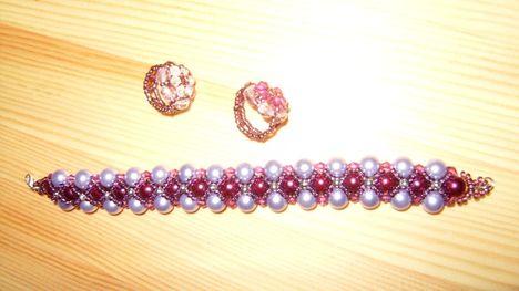 lila karkötő,gyűrűk
