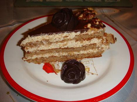 Dió torta egy szelete