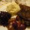 Liba comb, purével és chilis szilvával és lilakáposztával.