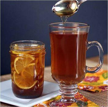 Egy  teához vagy forró vízhez, és pápá torokfájás!