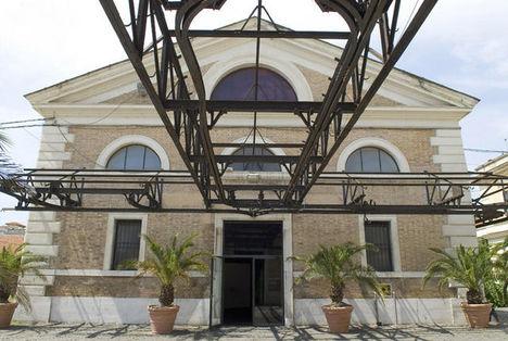 facciata_di_uno_dei_padiglioni_del_macro_future_gallery