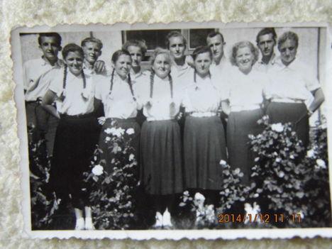 Bakónaki fiatalok az 50-es években