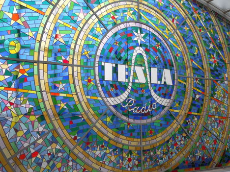 Prága, Tesla reklám 1