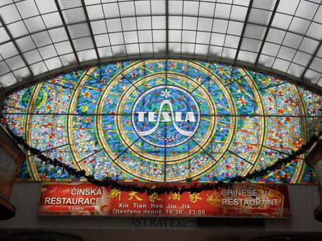 Prága, Tesla reklám 4