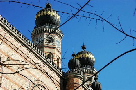 a zsinagóga