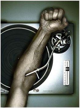 DJ (Ez is naon bejön nekem =) )