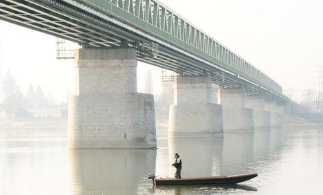 """Újpest -híd-vagy a """"csónakos""""?"""