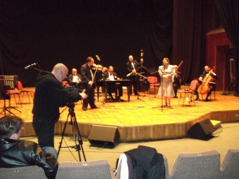 Rádió felvételem mozzanataiból egy kis ízelítö-az  újvidéki Rádióban-Tvfelvétel