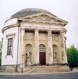 Kör- négyzet- és kereszt alakú templomok 19