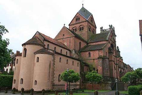 Kör- négyzet- és kereszt alakú templomok 24