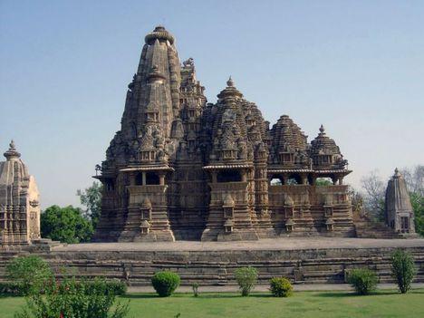 Kör- négyzet- és kereszt alakú templomok 38