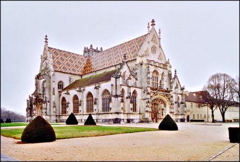 Kör- négyzet- és kereszt alakú templomok 5