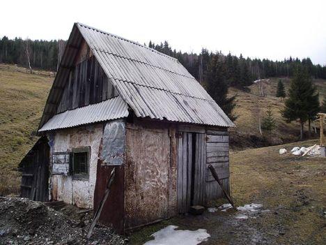 BALÁNBÁNYÁN  Lóránt nagyapájának kaszás háza