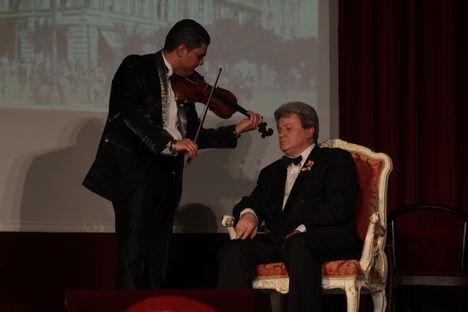 2014.márc.14- Az Ünnep előestéjén mutatták be  (Újpest első polgármesterének )életrajzi színművét. rendező : Dózsa László érdemes művész. Az ÚJPEST SZÍNHÁZ FŐIGAZGATÓJA.