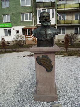 Gyergyószentmiklós Orbán Balázs szobra