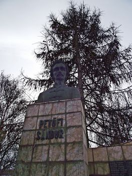 Gyergyószentmiklós Petőfi Sándor szobor