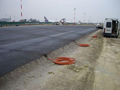 2008. ősz  a kész Ckt alapréteg és bitumenemulzió