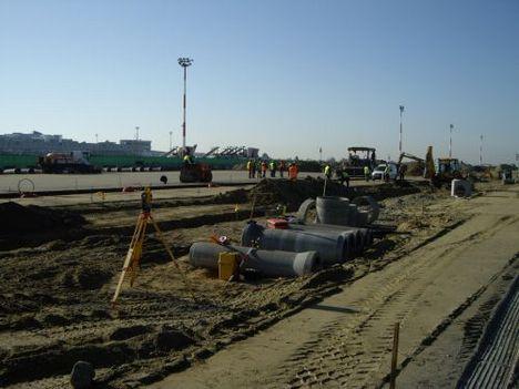 2008. ősz  burkolat és közműépítési munkák