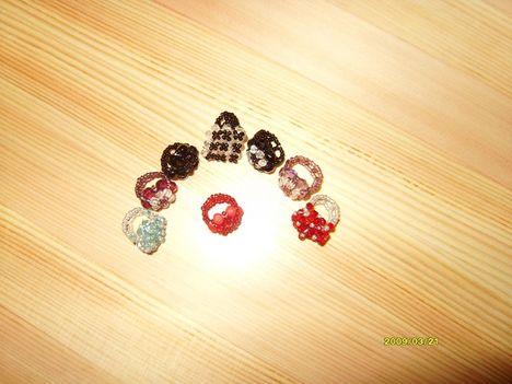 Gyűrűk gyöngyből