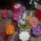 horgolt váza szekfücsokorral