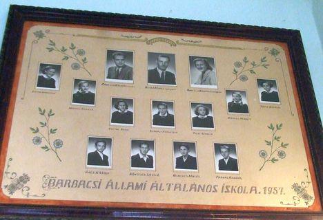 Ezek még fenn vannak a volt iskolánk falán (2014) 14