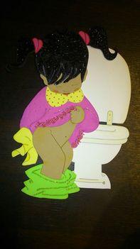 kislány wc-n