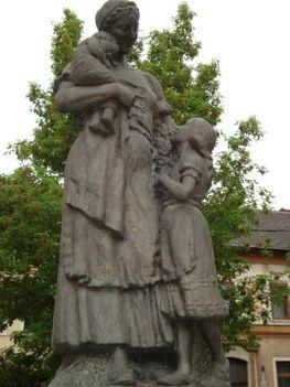 A világ első Anyák Szobra